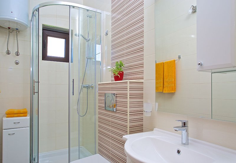 A3 Vinka 3(2+1): bathroom with toilet