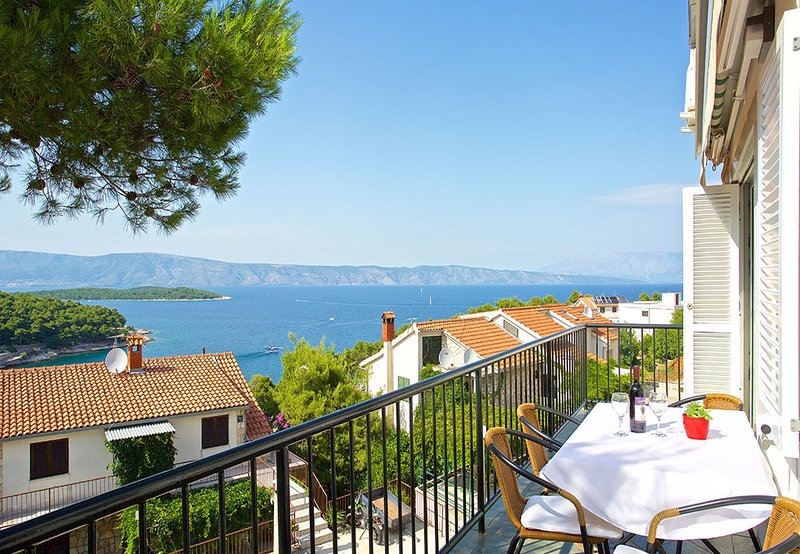 TB A1 KAL1(4+1) - Jelsa, vacation rental in Hvar Island