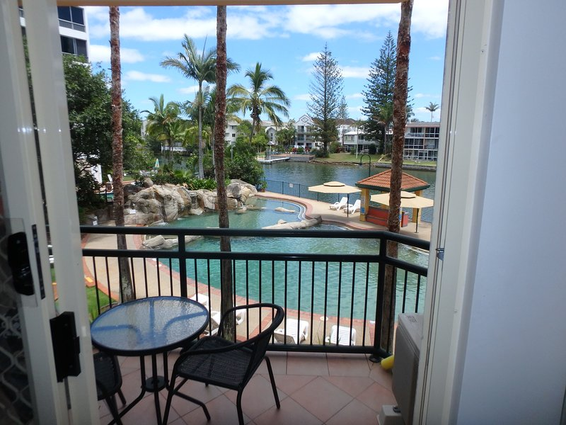 Modern Studio In A Scenic Tropical Resort., holiday rental in Gold Coast