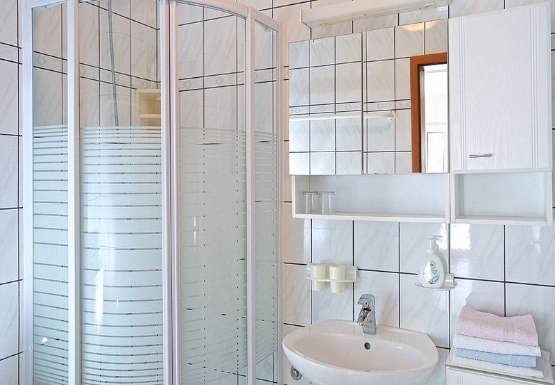 A4 KAL4 (6 + 1): Bad mit WC