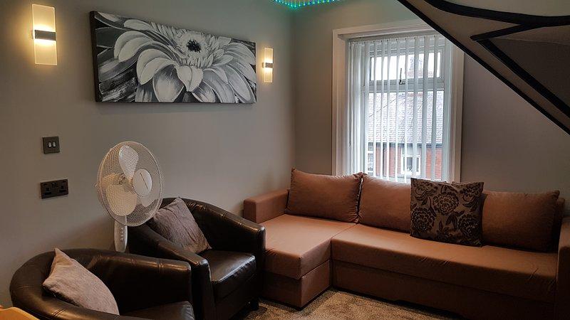 Impeccable 2-Bed Apartment in Blackpool, location de vacances à Bispham