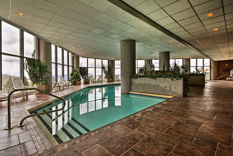 serenidad Alpine espera en este 2-cama, condominio de alquiler vacacional de 2 baño!