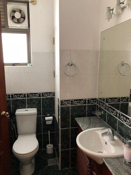 Sala de lavado adjunta