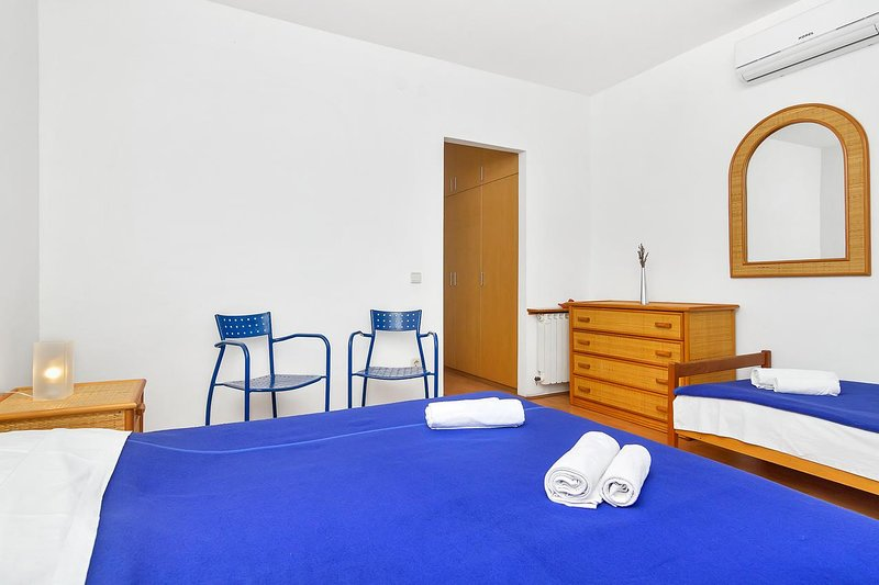Schlafzimmer, Oberfläche: 13 m²