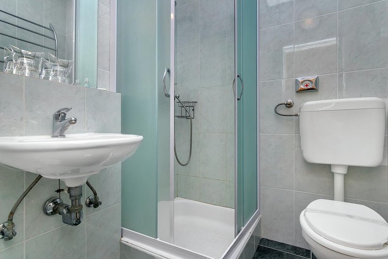 Badezimmer, Oberfläche: 3 m²