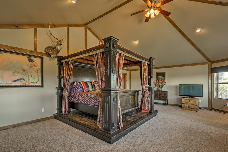 You're sure to have a sound night's sleep on the king-sized bed.