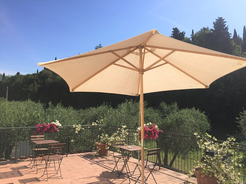 IL PALAGETTO DI TRAVALLE - APT NEAR FLORENCE, vacation rental in Calenzano