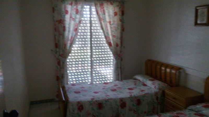 2 quartos com duas camas de solteiro
