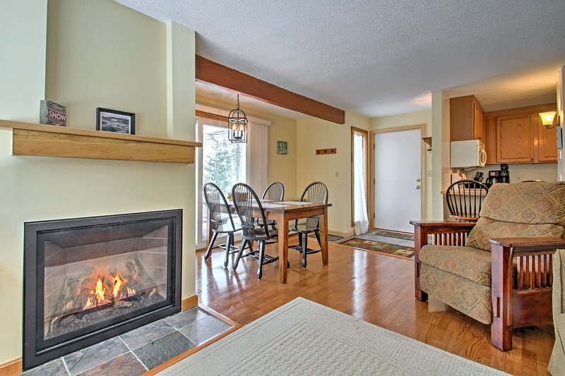 Waterville Valley Condo Near Town Square & Skiing!, vacation rental in Wonalancet
