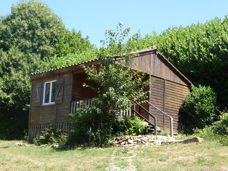 chalet au calme, casa vacanza a Ladignac le Long