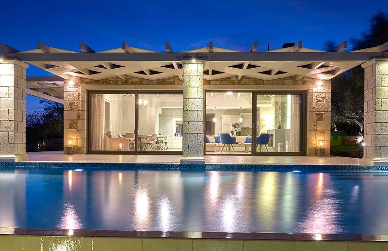 Avra Luxury Villa & Spa Limni Keri Zakynthos Greece, alquiler vacacional en Zakynthos