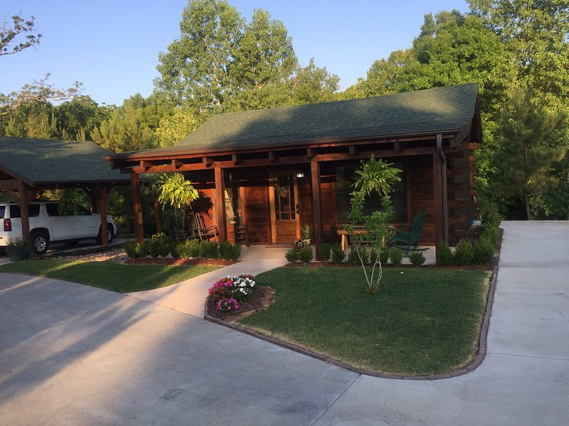 Tulsa Cozy cabin, holiday rental in Sand Springs