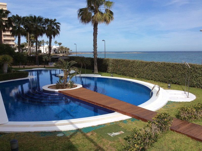 Magnífico piso de lujo en la manga con vistas a los 2 mares, alquiler vacacional en La Manga del Mar Menor