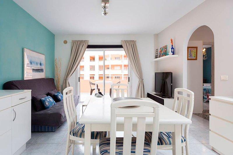 Amplio apartamento con WIFI. Residencial Marineda, vacation rental in El Medano