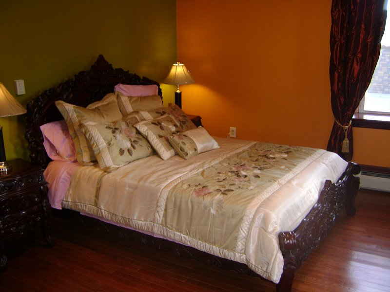Room #3 Olive Garden Hill Top B & B, holiday rental in Canajoharie