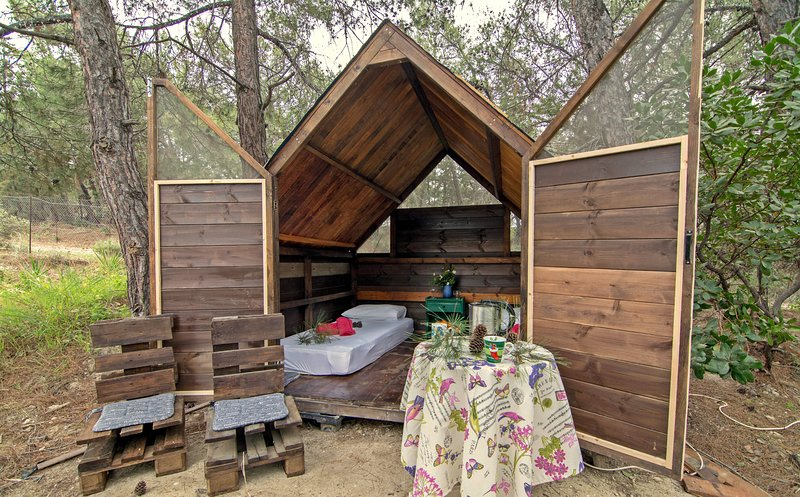 Wooden Hut, holiday rental in Paradeisi
