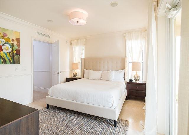 Dormitorio del primer piso con patio privado y En baño