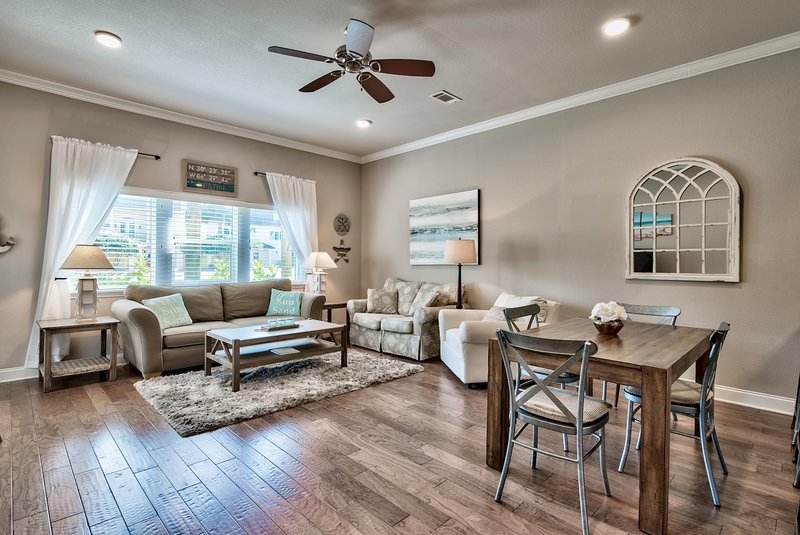 Beautiful 3 Bed 2bath Condo Steps Away From The Beach