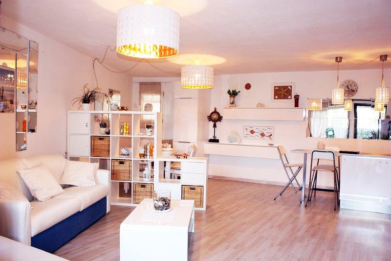 PORTO ROTONDO SARDINIA GRAND DELUX APT WITH POOL, vacation rental in Telti