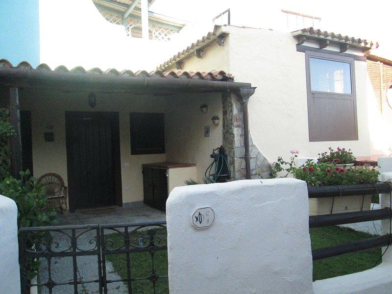 Villa al mare zona Santa Margherita di Pula, vacation rental in Santa Margherita di Pula
