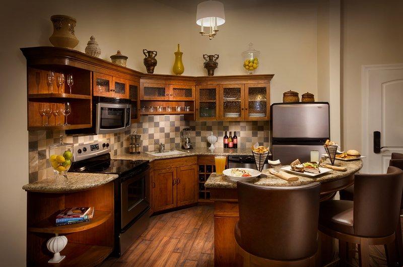 La cuisine offre tout ce dont vous avez besoin pour préparer un délicieux repas