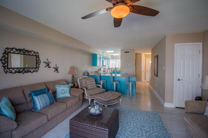 Oak Shores 95-Living Room