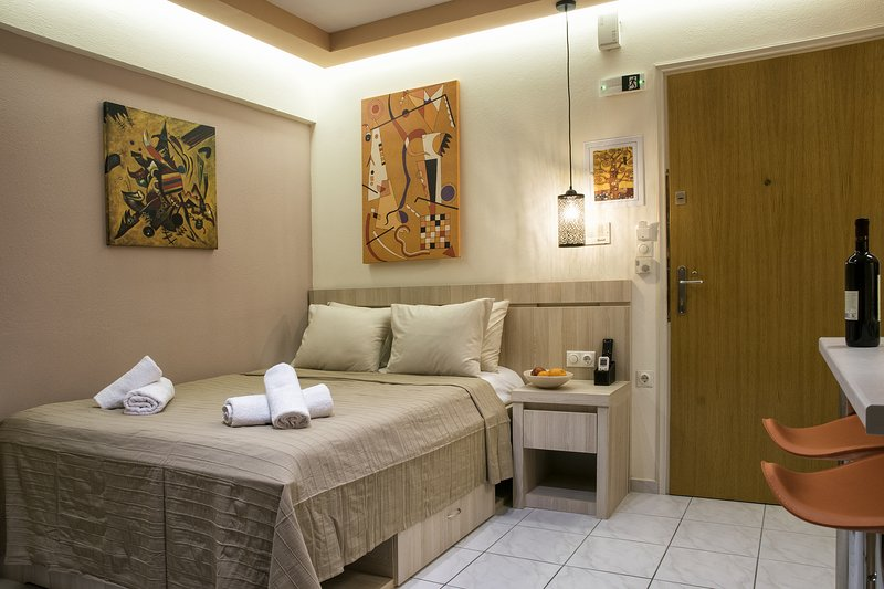 Orange Central Studio / Downtown Heraklion, holiday rental in Heraklion