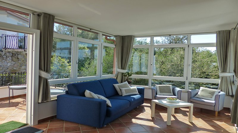 Villa Bianca (35) Soggiorno con divano letto doppio