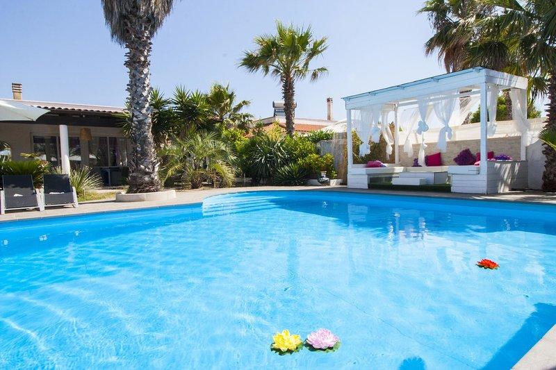 Ville Cortiero - Villa Pool, holiday rental in Marina di Mancaversa