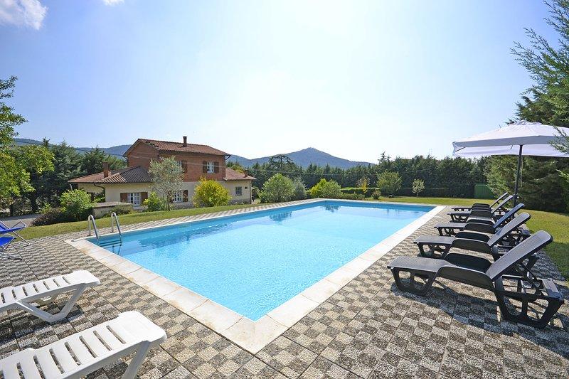 Villa Mimosa, location de vacances à Pergo