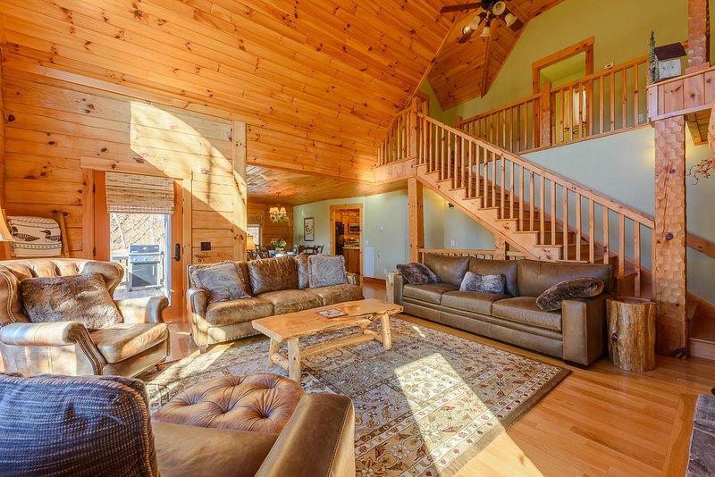 Wohnzimmer mit bequemen Ledermöbeln