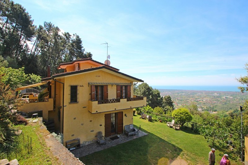 Casa Montebello, holiday rental in Ripa-Pozzi-Querceta-Ponterosso