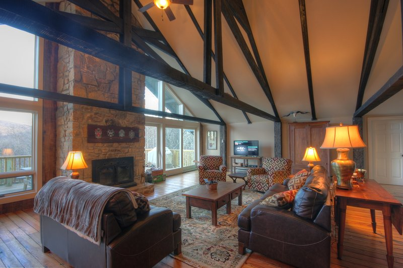 Majestic Mountain Haus, holiday rental in Beech Mountain