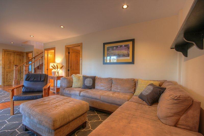 camera familiare più basso livello con comodo divano