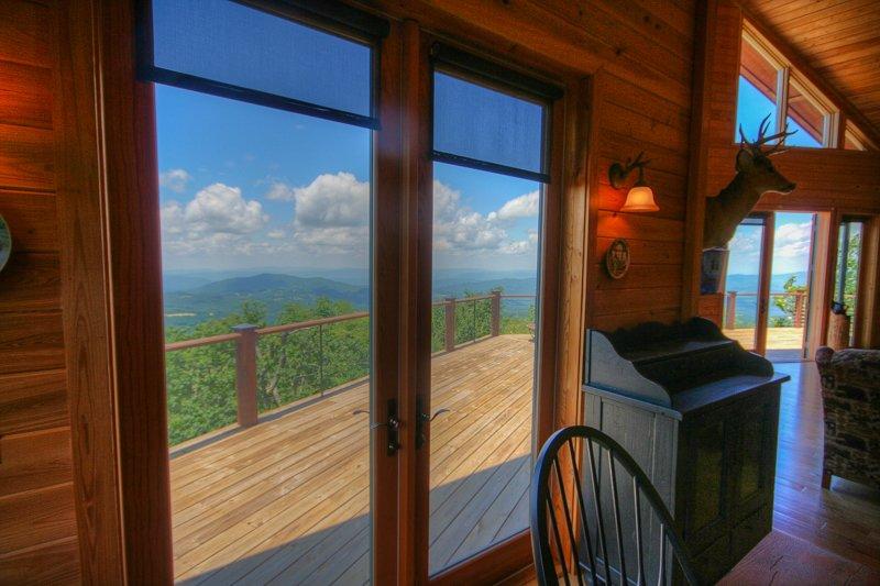 Top Lodge de montaña Vistas desde el comedor