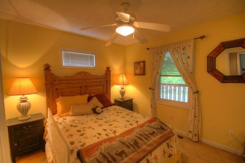 Meadow View seconda camera da letto con letto matrimoniale a livello principale