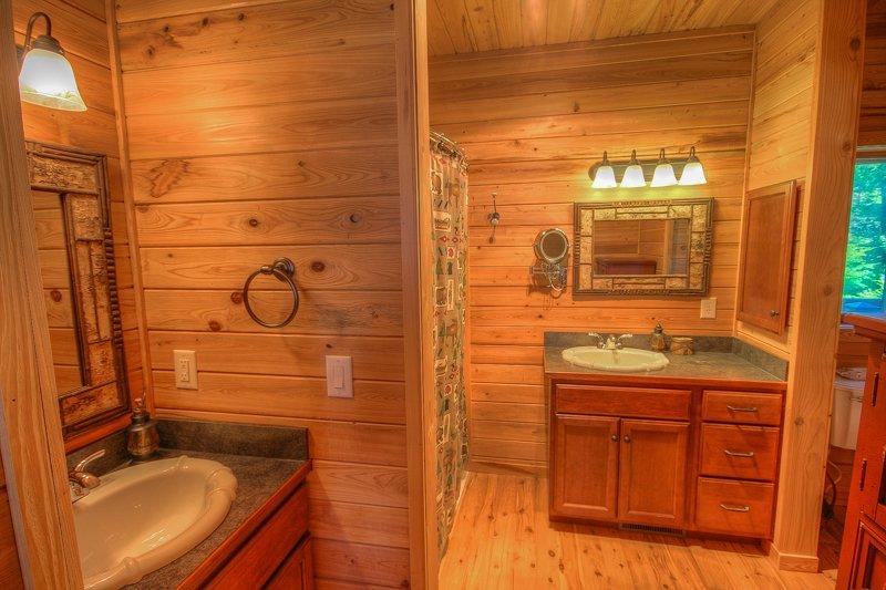 Montaña Top Lodge baño principal