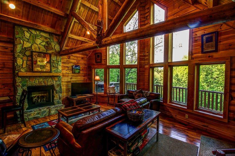Twin Hollows Gas fireplace, large windows, flat screen tv