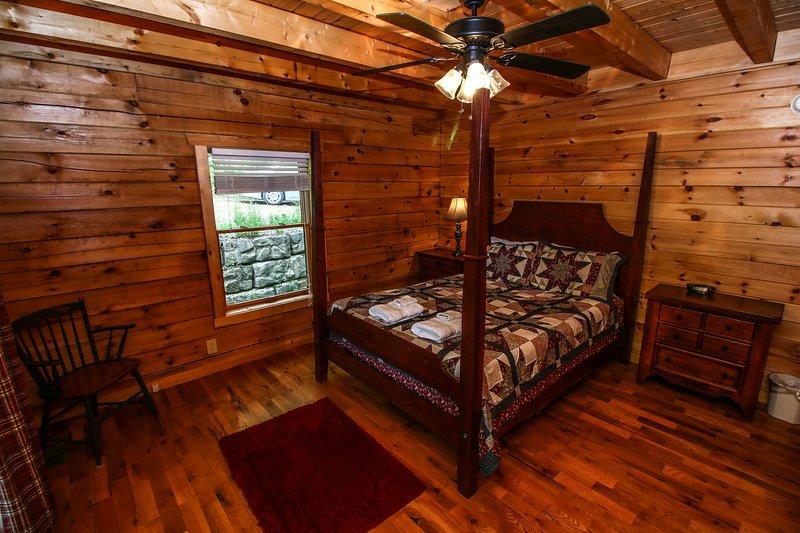 Twin Hollows Additional queen bedroom on main floor