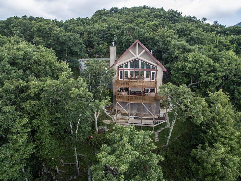 Vista aérea mirando hacia la casa