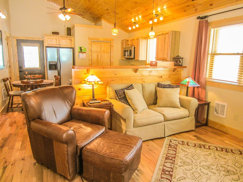 Bear Tracks Cabin, holiday rental in Beech Mountain