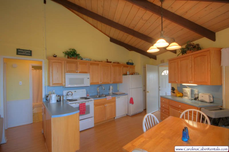 Beech Vista Kitchen and Dining Area