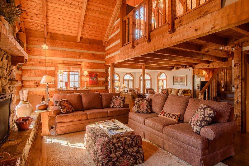 Big Rock Lodge Ampla sala de estar com loft acima