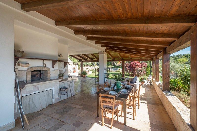 Monte Serio Villa Sleeps 6 with Pool and Air Con - 5605898, holiday rental in Putignano