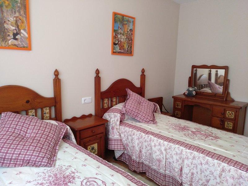 Quarto rústico duas camas. Localizado, como o resto, no segundo andar.