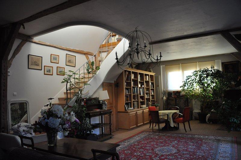 la grange est completement rénovée.la campagne aux portes de la ville de Tours.s, holiday rental in La Membrolle-sur-Choisille