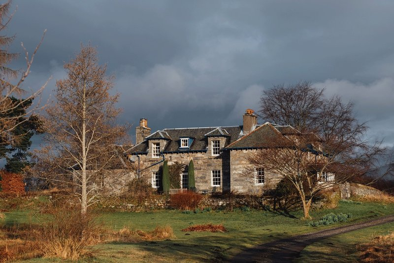 Foss Country House overlooking Loch Tummel and in The Queens View, holiday rental in Pitlochry