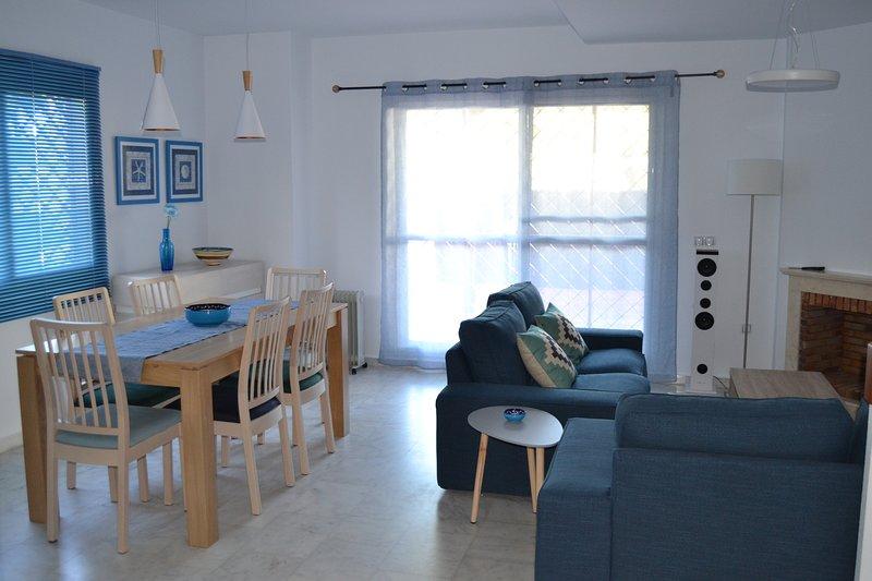 Adosado en Nuevo Portil - NP14492, holiday rental in Gibraleon