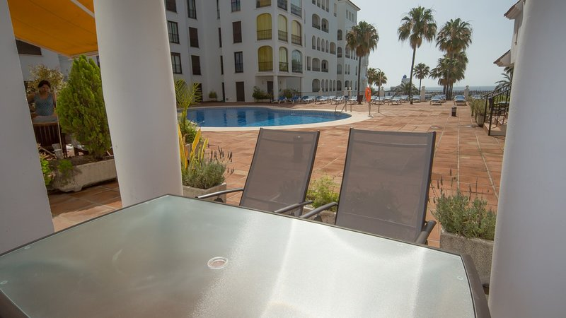 Apartment in Puerto De La Duquesa, holiday rental in Pueblo Nuevo de Guadiaro