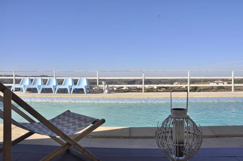 Pool und Raum extrior